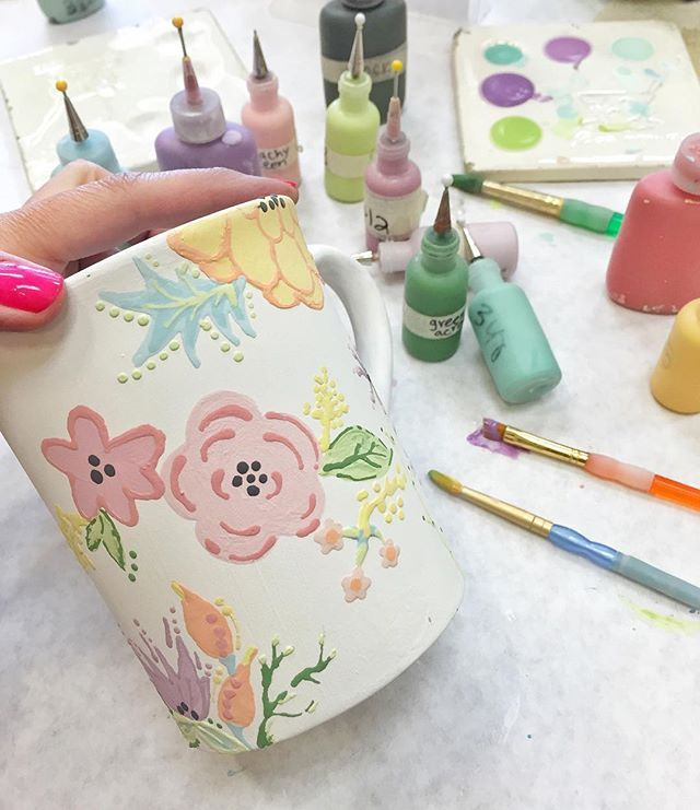 Theriputic freehand pottery painting with my little chicks today. #mommydaughtertime #springbreakcreativity #colormemine #potterypaintingideas