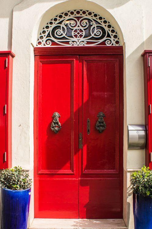 25X Beautiful Door Photos on Gozo Malta || The Travel Tester & 25X Beautiful Door Photos on Gozo Malta | Malta Doors and Architecture