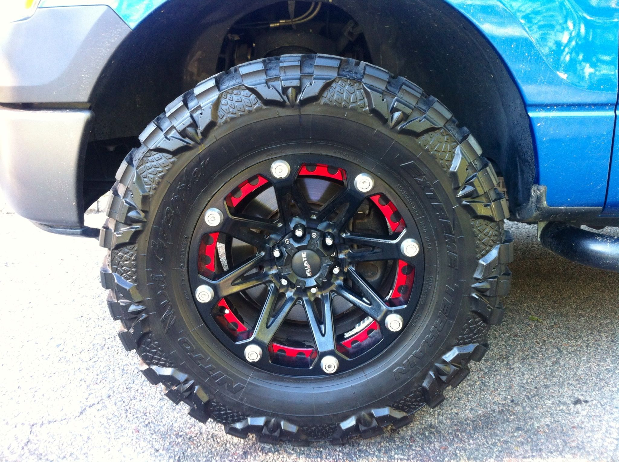 Ford F150 Nitto Mud Grappler Ballistic Jester Rough Country Level