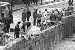 13 août 1961 - Construction du mur de Berlin #murdeberlin