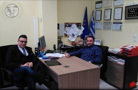 """Συνάντηση του προέδρου της Ακαδημίας Γραμμάτων & Τεχνών Καστοριάς """"Θωμάς Μανδακάσης"""" κ. Ιωάννη Τσακιρίδη με τον Πάνο Καρδαρά"""
