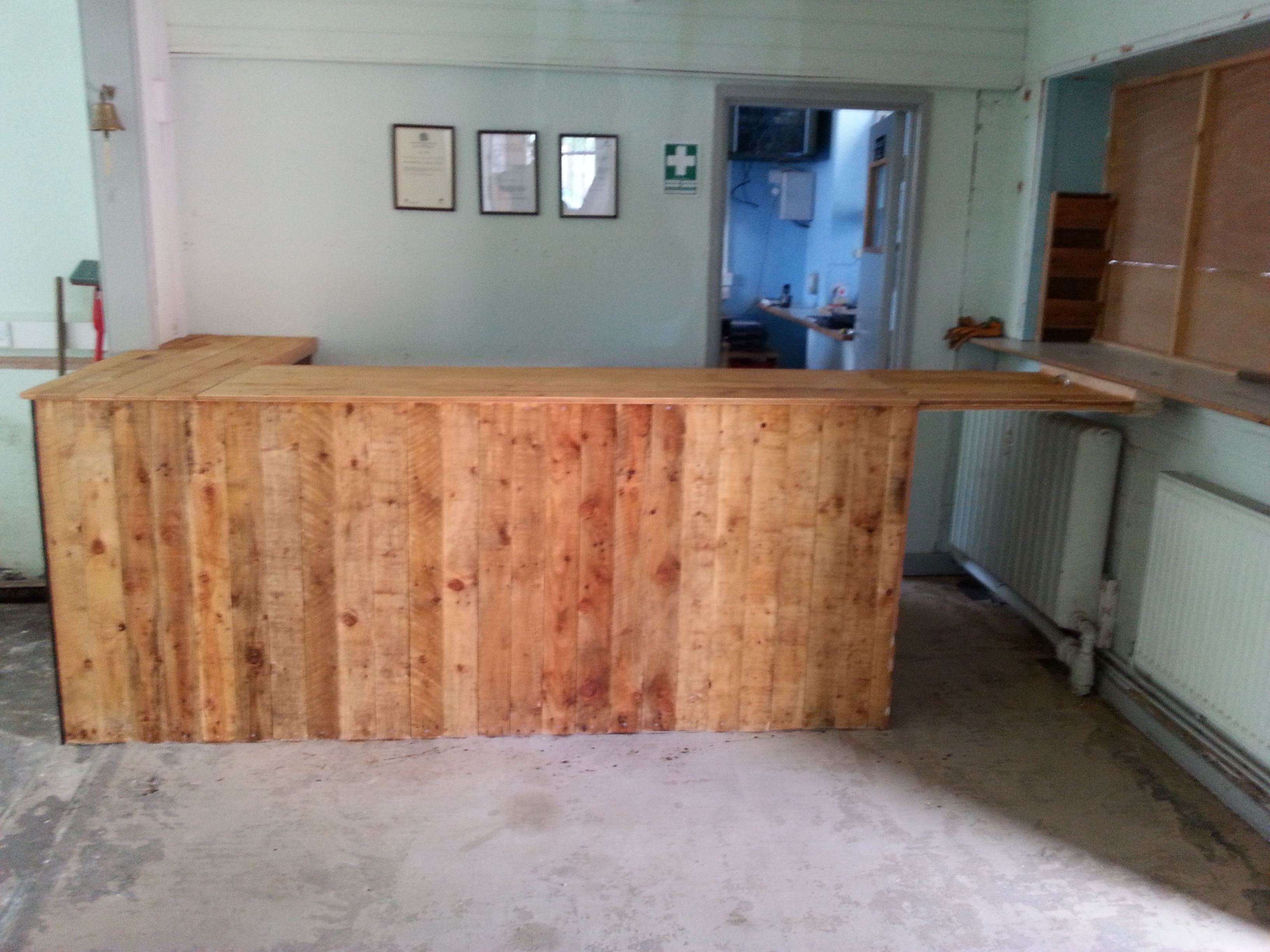Shop counter made from recycled pallet wood pallets