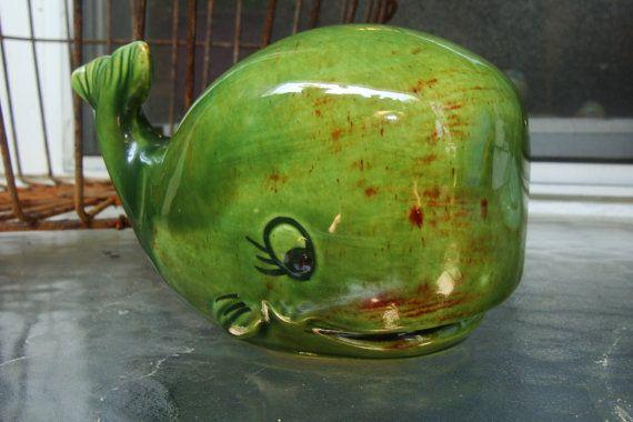 R E S E R V E D Green Ceramic Whale Shaker Poissons