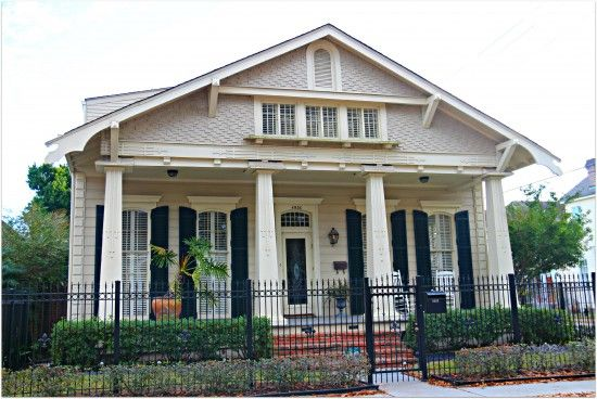 New Orleans Homes And Neighborhoods The Craftsman Style New Orleans Style Double And The Feather B New Orleans Homes Craftsman Exterior Craftsman Style Home