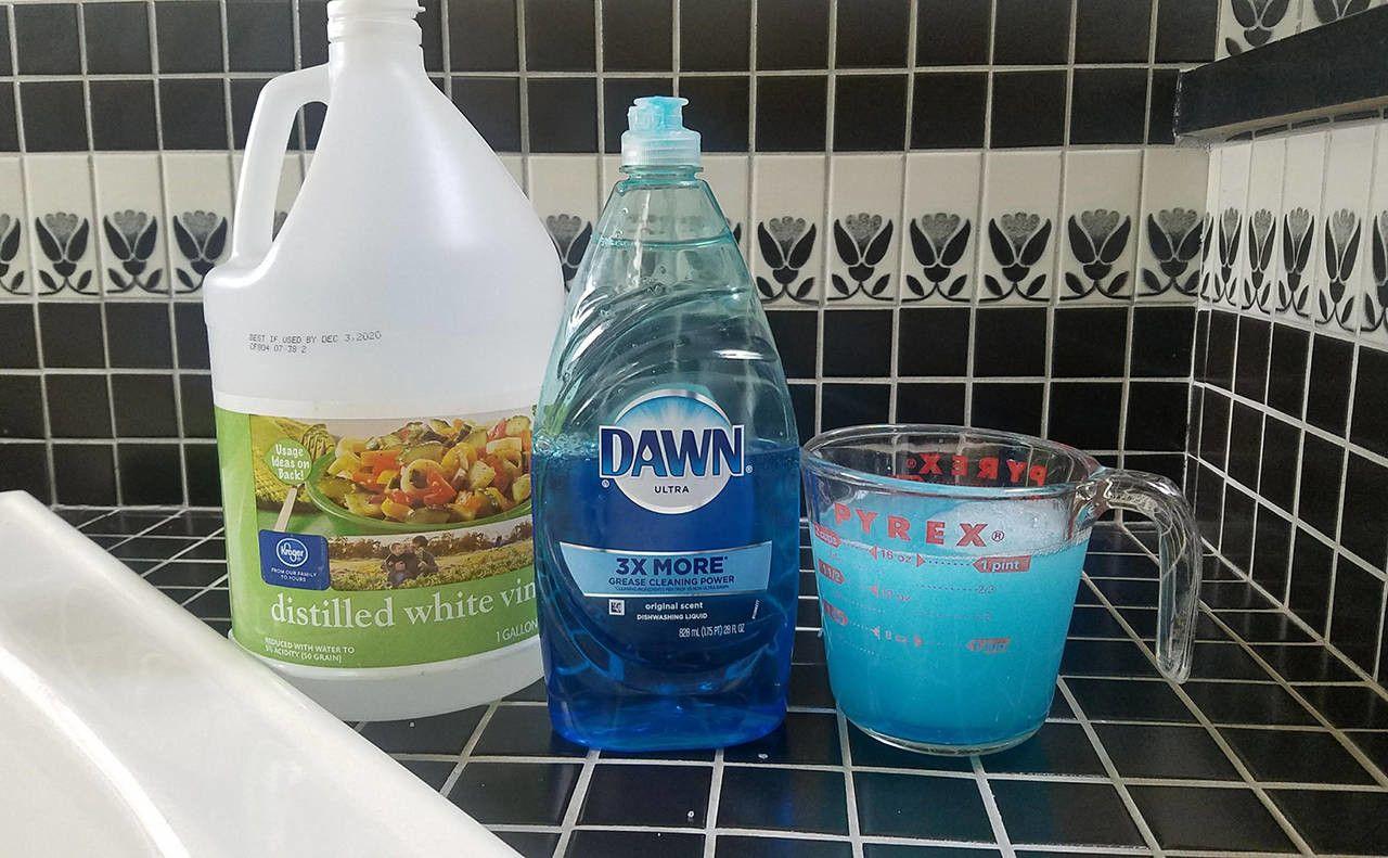 Clean Bathrooms In A Snap With White Vinegar And Dawn Dish Soap Heraldnet Com White Vinegar Cleaning Dawn Dish Soap Bathroom Cleaning