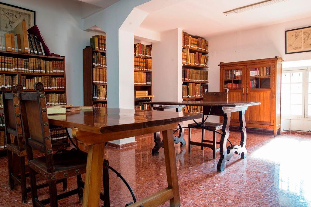 Sala de consulta fondo antiguo
