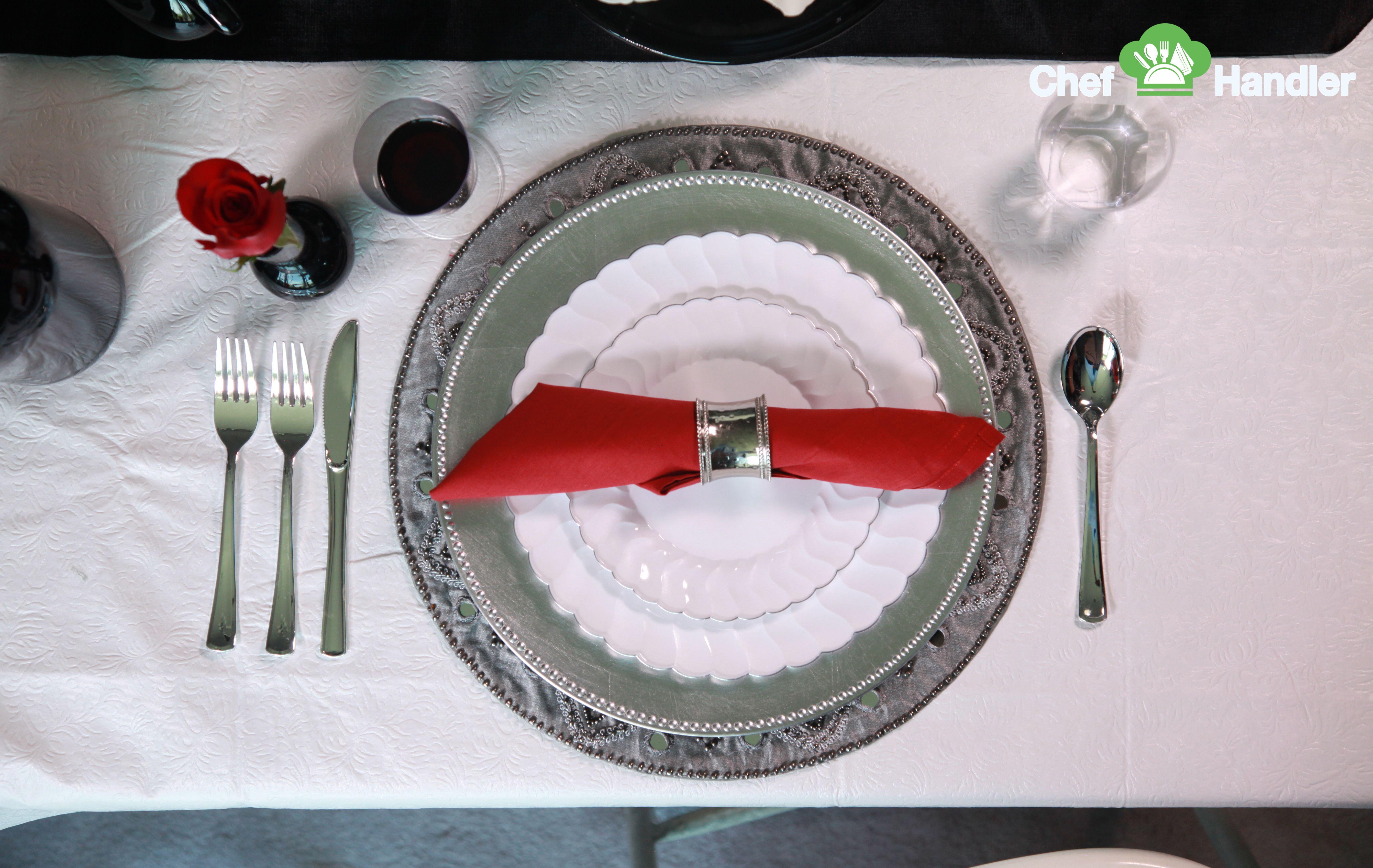 Elite Scalloped Edge White 10.25″ Plastic Plates - 50ct | Plastic ...