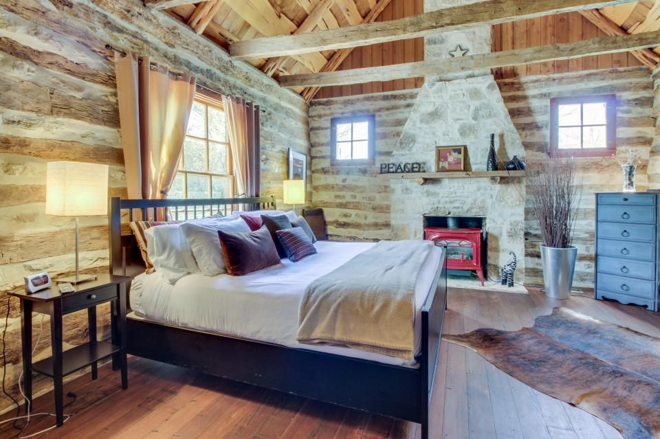 Bed and Breakfast Lodging in Fredericksburg, TX The All
