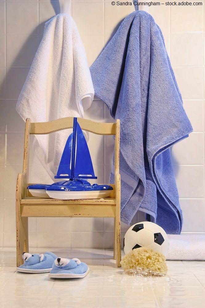 Weiß, Blau, Holz   So Wunderbar Maritim Ist Dieser Platz Im Badezimmer  #nautical