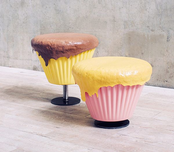Sweeties Furniture Series Cupcake Stool And Biscuit Table