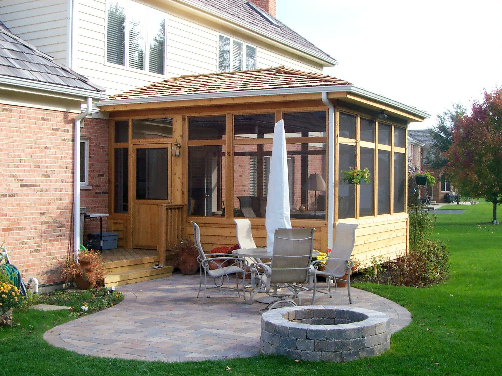 Screen porch and patio with fire pit in hawthorn woods il for Porch and patio designs