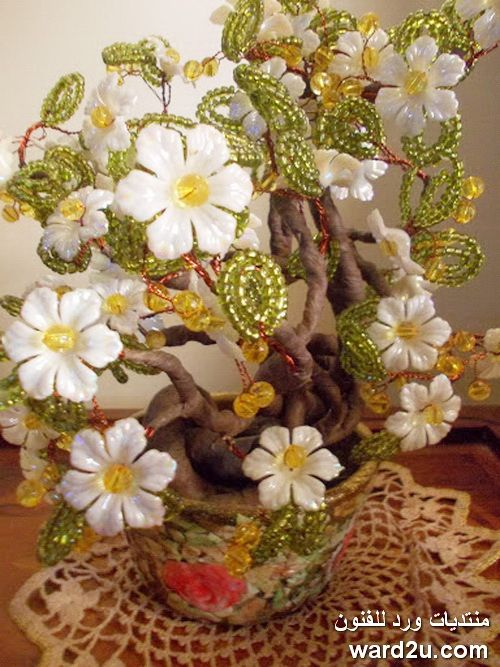 شجرة الياسمين وردات و سلك و خرز و طريقة لف الجذع Floral Wreath Floral Wreaths
