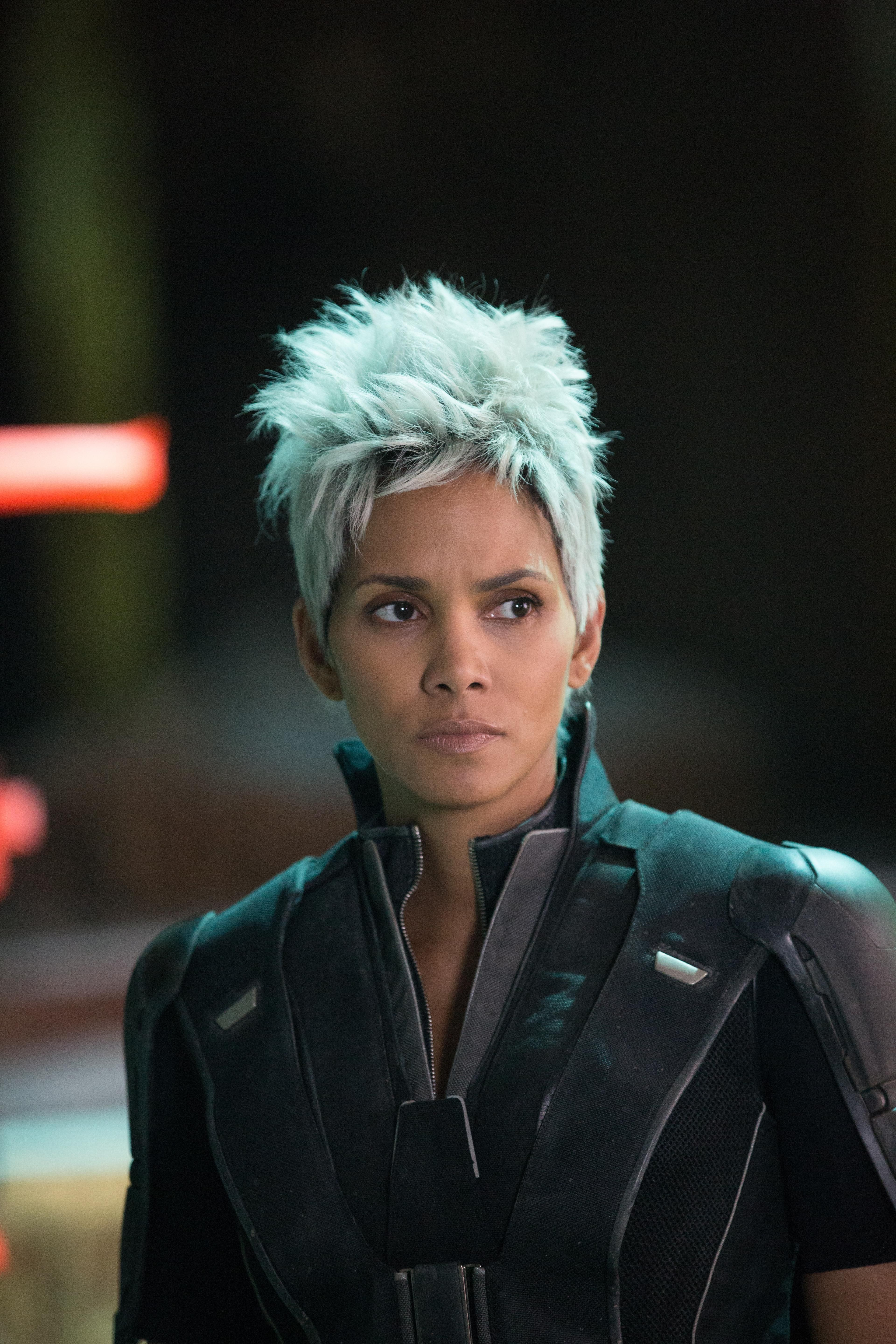 Exclusive Watch X Men Writer Simon Kinberg Answer Questions About Days Of Future Past And The Coming Apocalypse Halle Berry X Men Days Of Future Past Halle Berry Storm