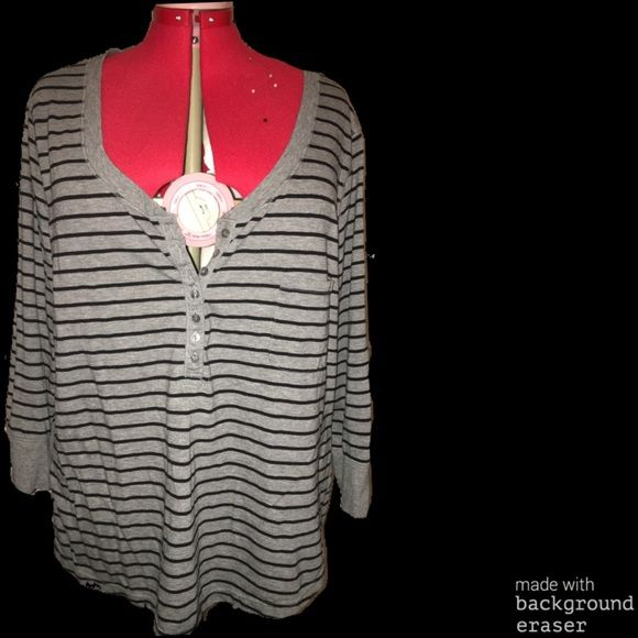 3/4 length stripped top Grey and black stripped 3/4 length sleeve top light weight fits 2/3x Tops Tees - Long Sleeve