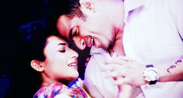 They are magic...how...how are they not madly in love in real lyf..I mean how can they fake all of this...sooo frustrating💞💞