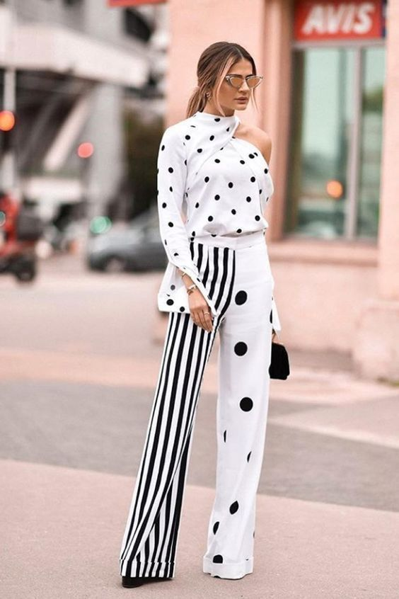 Polka Dots / Stripes Black / WhiteAnd Chic All Over in 2018
