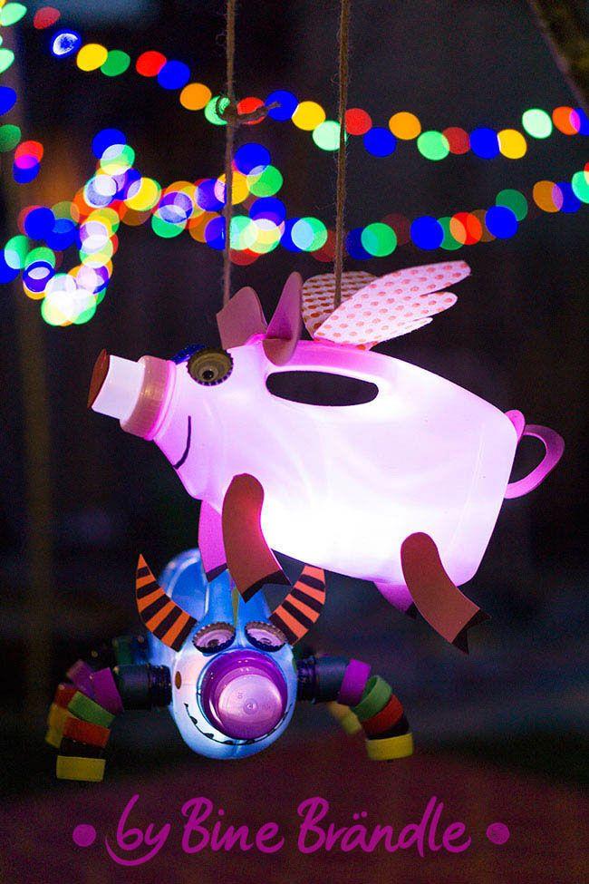 Bastel Idee für Kinder - Waschmittel Verpackung in ein lustiges, leuchtendes Laternen Schwein verwandeln. -Bine Brändle, DIY, Do it yourself, howto, Anleitung, Idee, selbermachen, heimwerken, basteln, dekorieren, Dekoration, Haus, Wohnung, Garten,  bunt, fröhlich, farbenfroh, kreativ, originell, happyhome, happygarden, colorfulhome, Idee und Foto aus Bine Brändles Büchern #laternebasteln