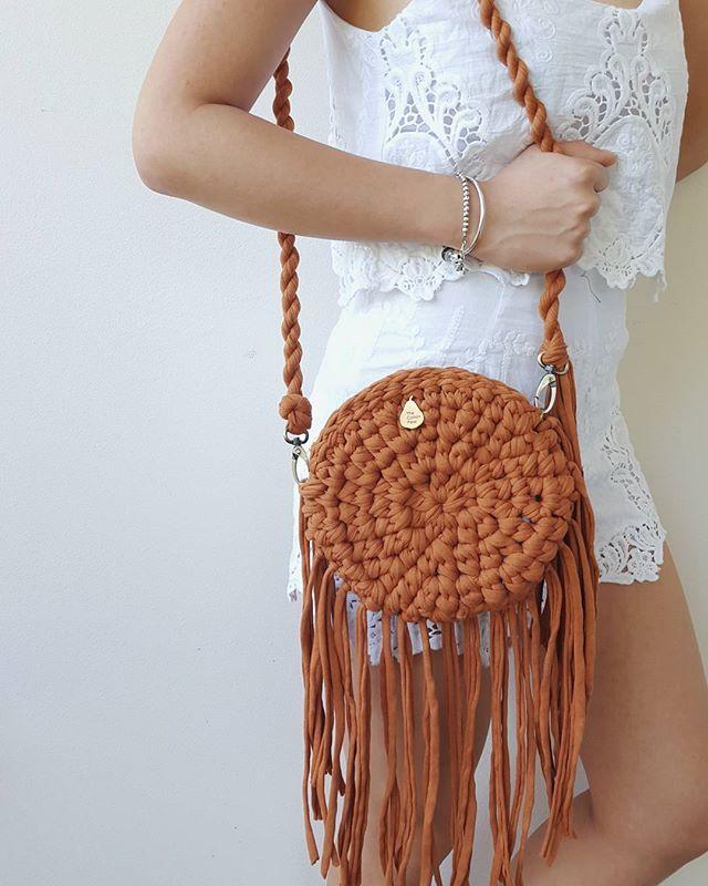 Трикотажная пряжа. Сумочка | t-shirt crochet bag | Pinterest ...