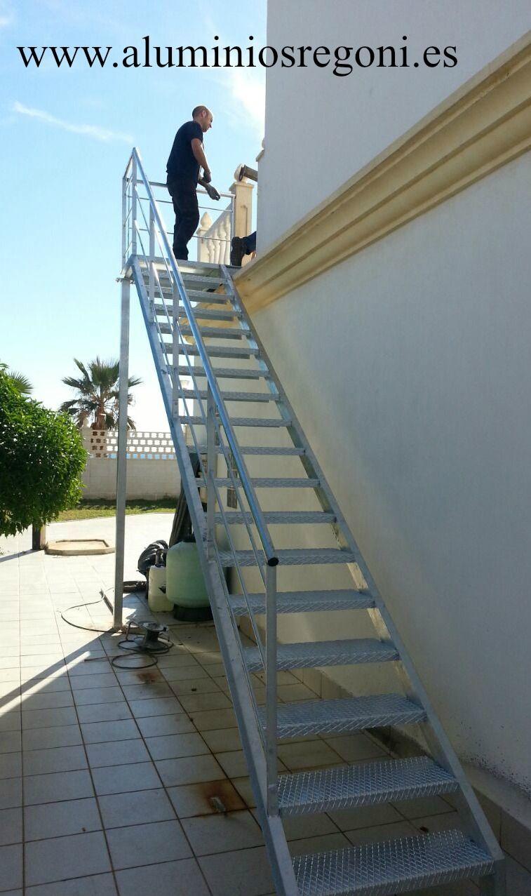 Escalera de hierro escaleras pinterest - Escaleras de exterior ...