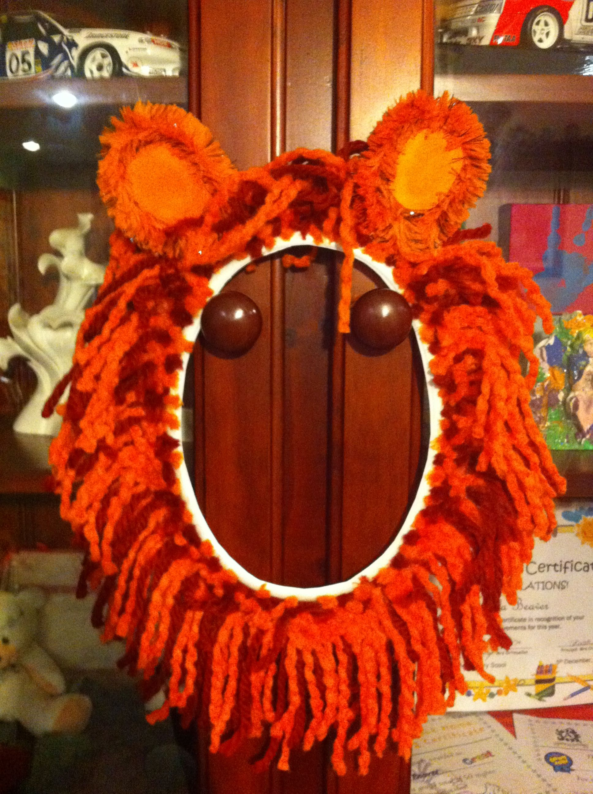20dea77d5 DIY Lion mane. Plastic oval picnic plate with the middle cut out, different  lengths and textures of wool attached to the outer with craft glue, pipe  cleaner ...