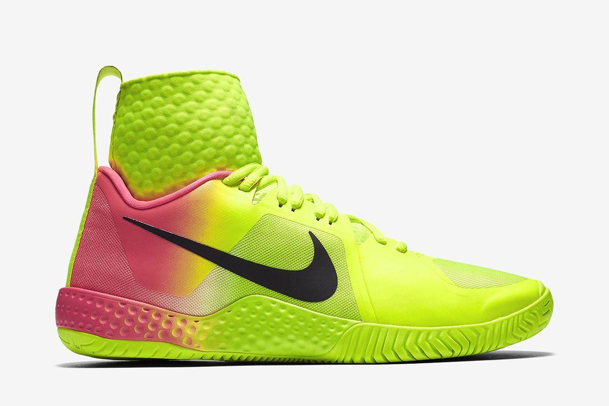 Nikecourt Flare Women S Tennis Shoe Volt Pink Blast Black Nike Sneakers For Women That Are Available In The Usa Sneakers Nike Shoes Sneakers
