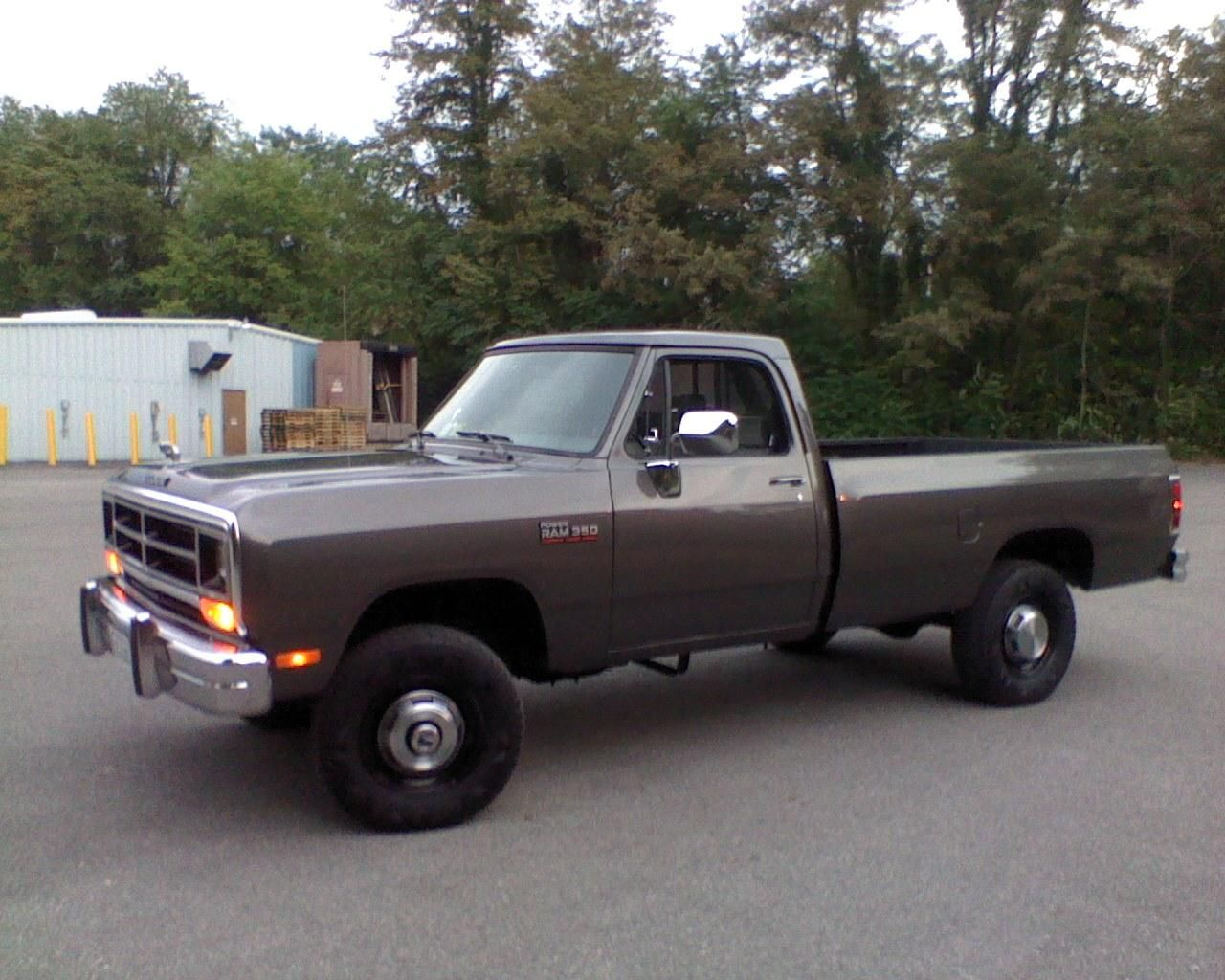 Com one owner 1993 dodge ram 250 le extended cab 4x4 long bed cummins diesel truck for sale in locust grove va e m auto sales emau pinteres