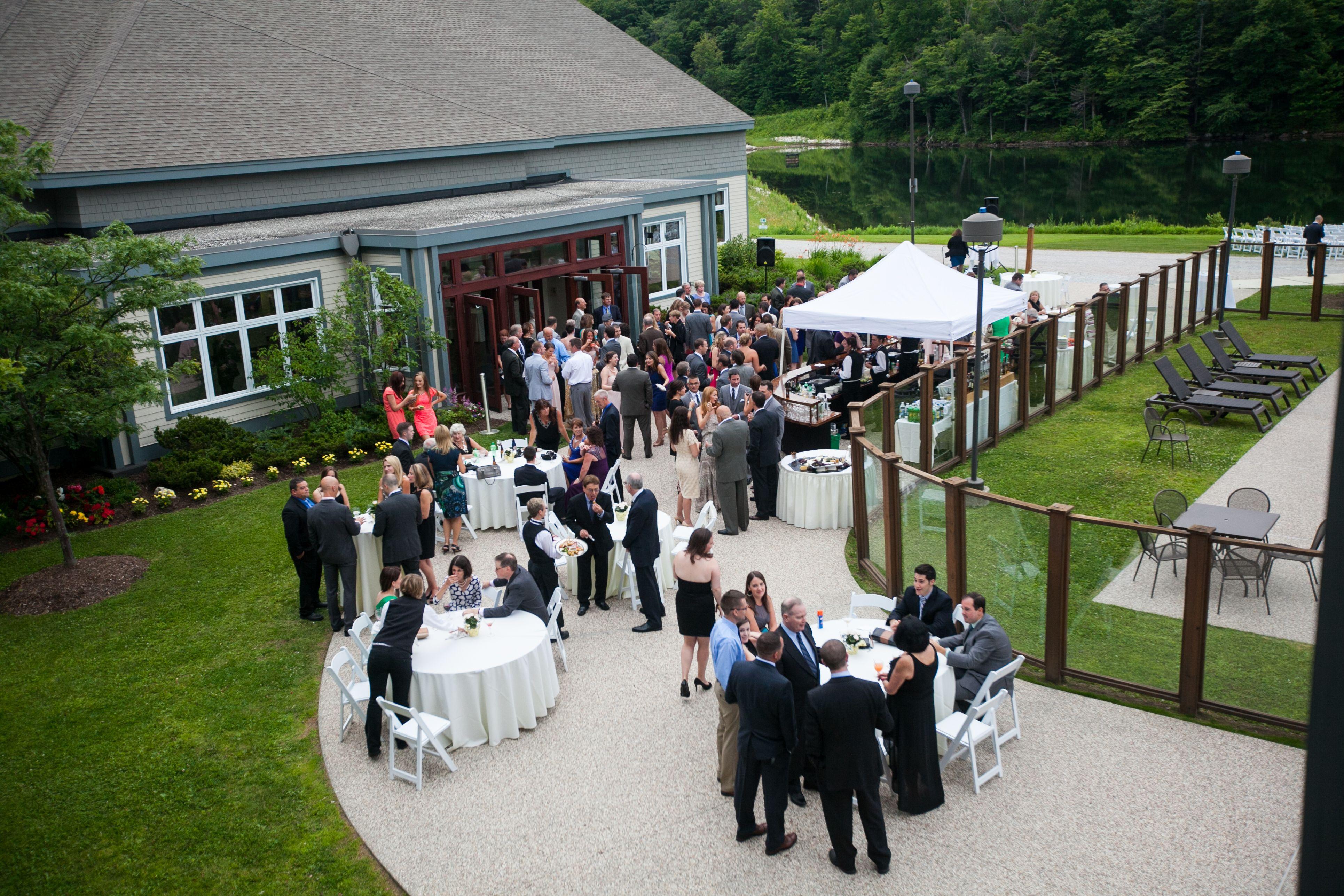 Outdoor Tail Hour At The Killington Grand Hotel Fairytale Wedding Photos