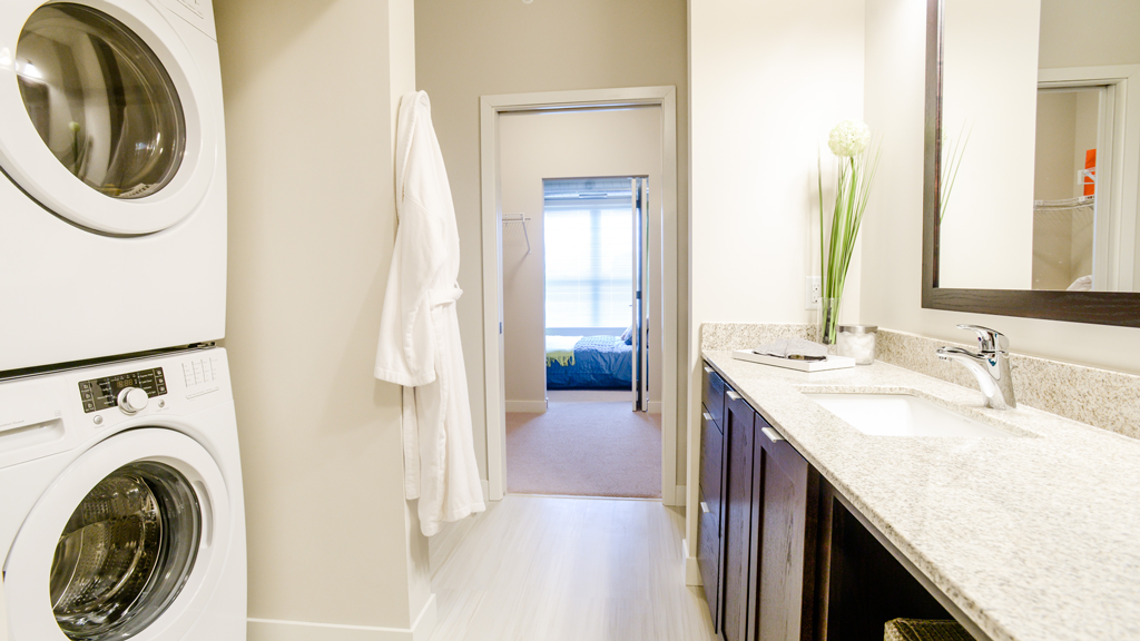 Apartments in uptown Minneapolis with inunit washers and