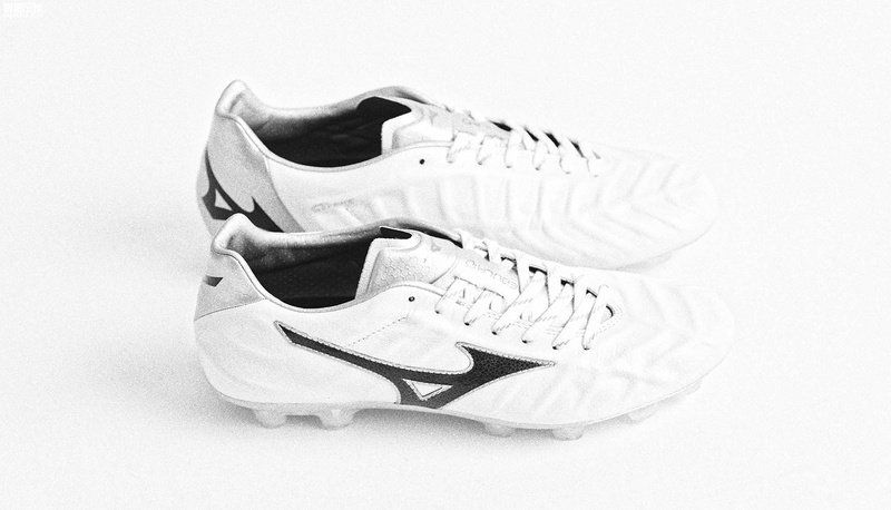 pretty nice 2d757 59905 Men Mizuno Rebula V1 Made IN 2018 Word Cup Japan MD FG 2018 Word Cup White  Black Silver