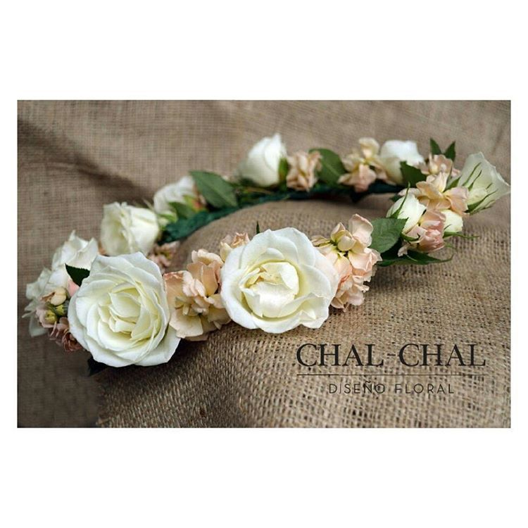 #corona de flores para el civil de Luchi   #chalchalflores #flowercrown #wedding