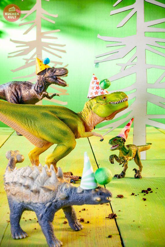 roarrrr ein dinosaurier kindergeburtstag mit brodelnder lava torte birthdays. Black Bedroom Furniture Sets. Home Design Ideas
