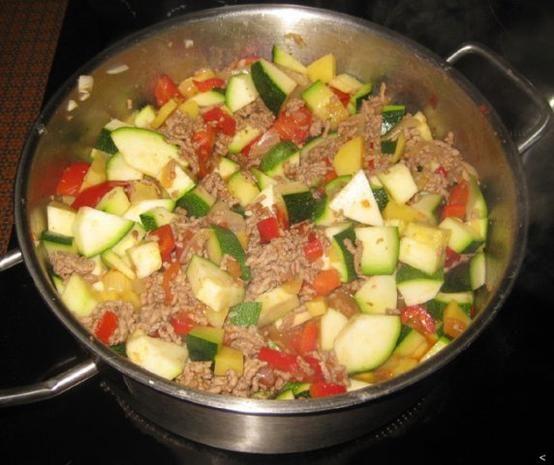 Rezept: Zucchini-Hackfleisch-Pfanne Bild Nr. 3