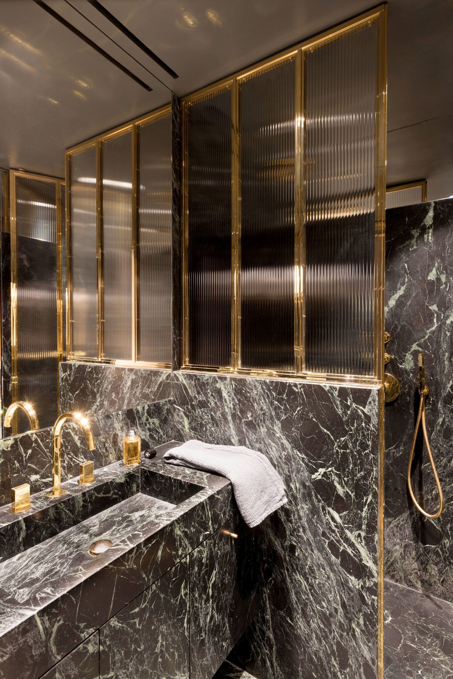 Come to see the most luxury bathroom Inspirations for your next ...