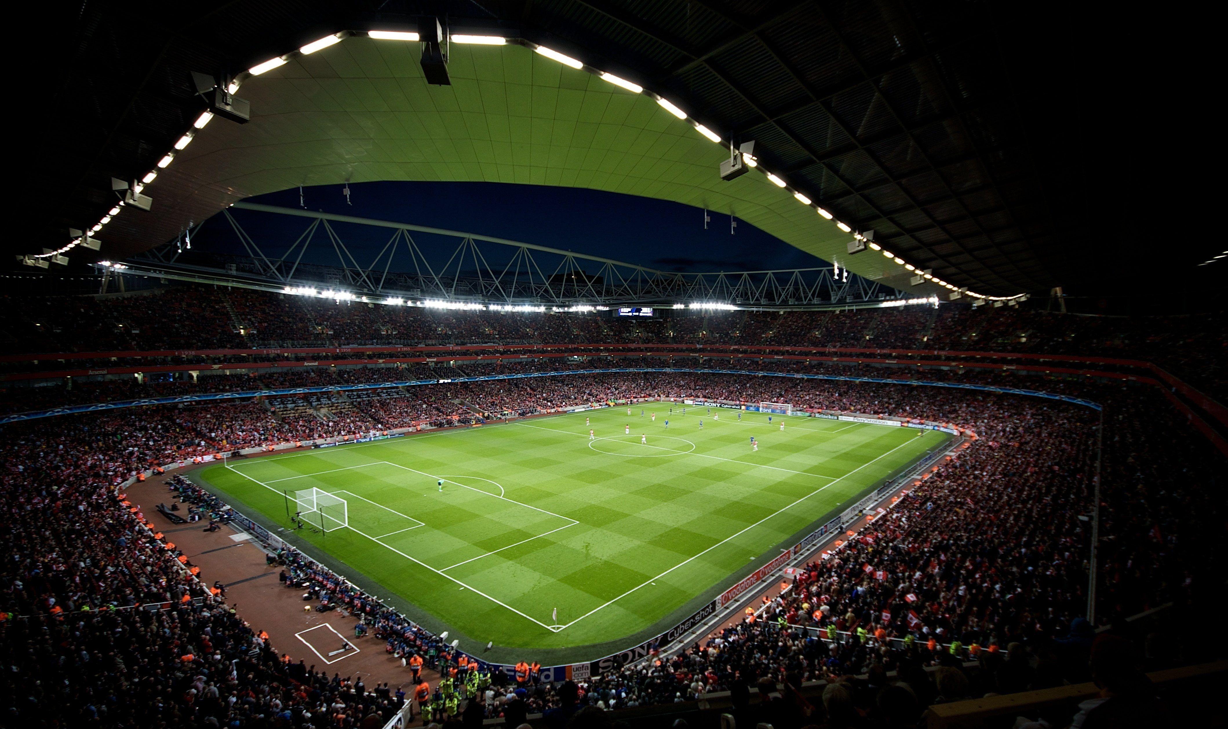 Champions Emirates League Soccer Stadium 4k Wallpaper Hdwallpaper Desktop In 2020 Soccer Field Stadium Stadium Wallpaper