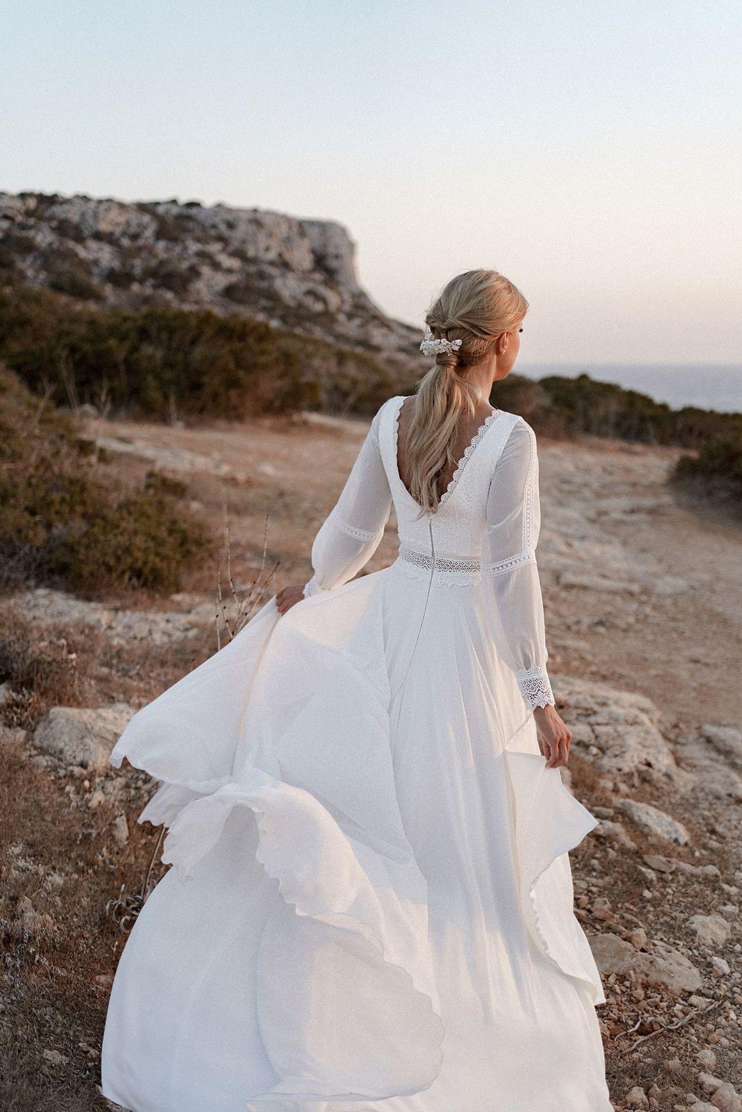 Suknia Slubna Prosta Merida I Kolekcja 2020 2021 Sukien Slubnych Dama Couture Dresses Lace Dress Wedding Dresses