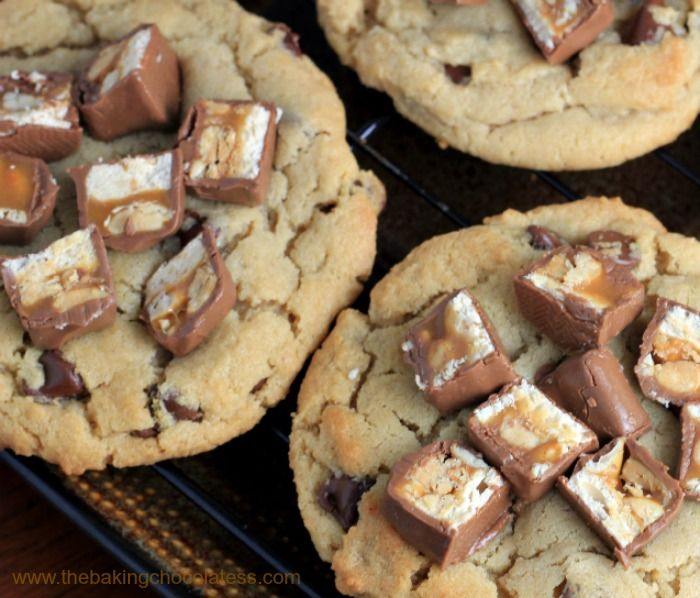 The Baking ChocolaTess | Ultimate Snickers Peanut Butter Cookies | http://www.thebakingchocolatess.com