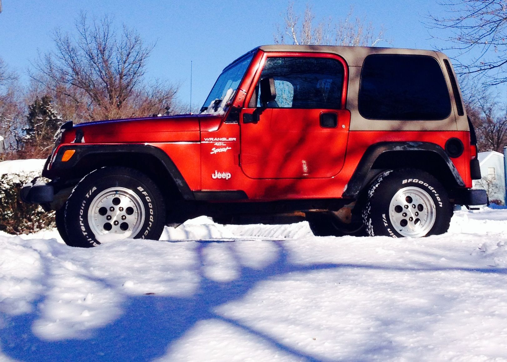 Red Jeep Tan Hardtop Looks Like The Jeep My Hubs Had Red Jeep Jeep Tj Jeep Wrangler Sport