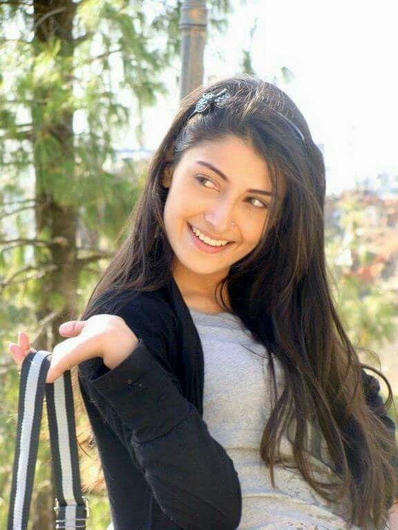 Ayza Khan beautiful Pakistani actress