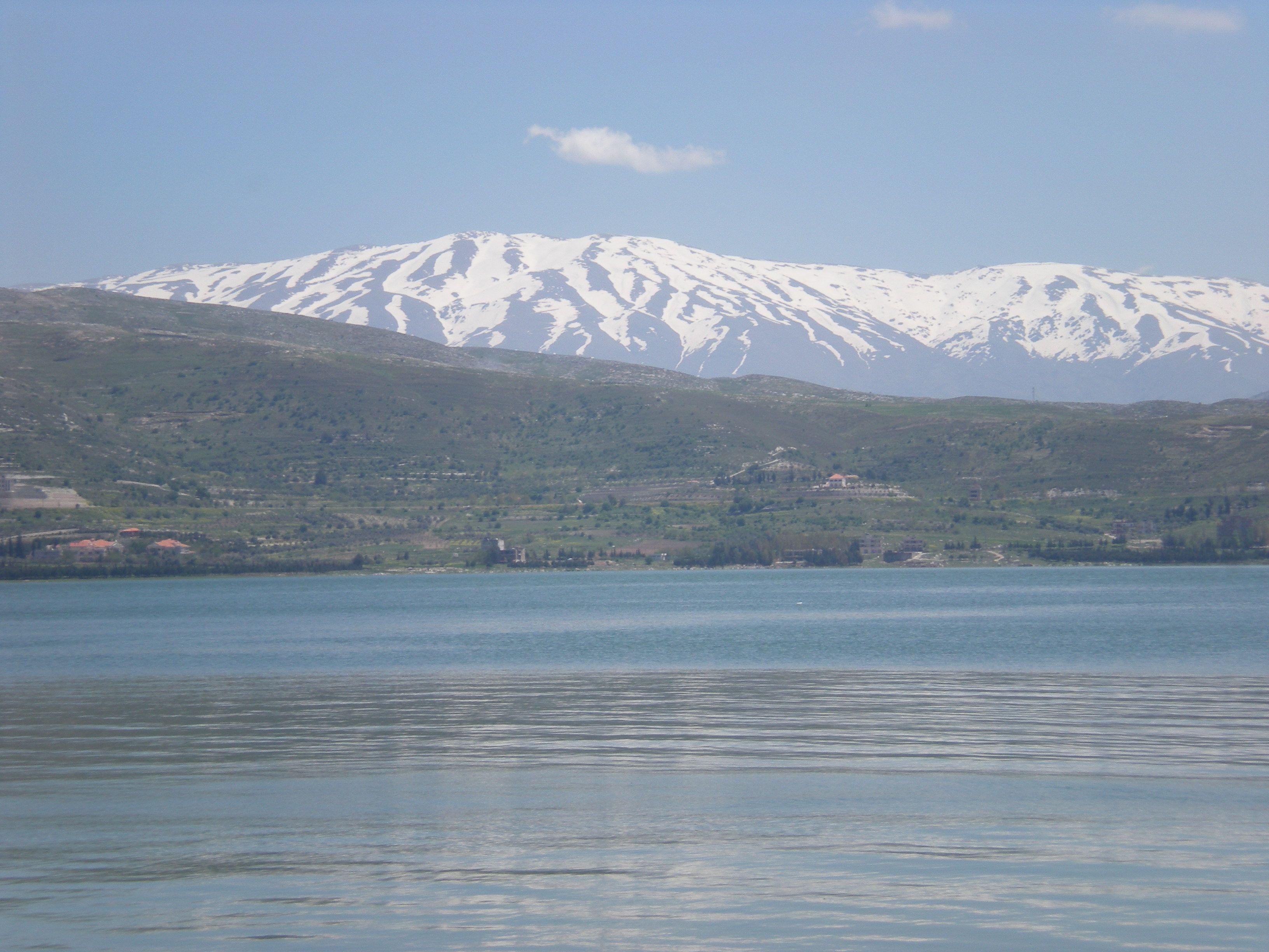 Plaine De La Bekaa Lac Du Litani Et Le Mont Hermel