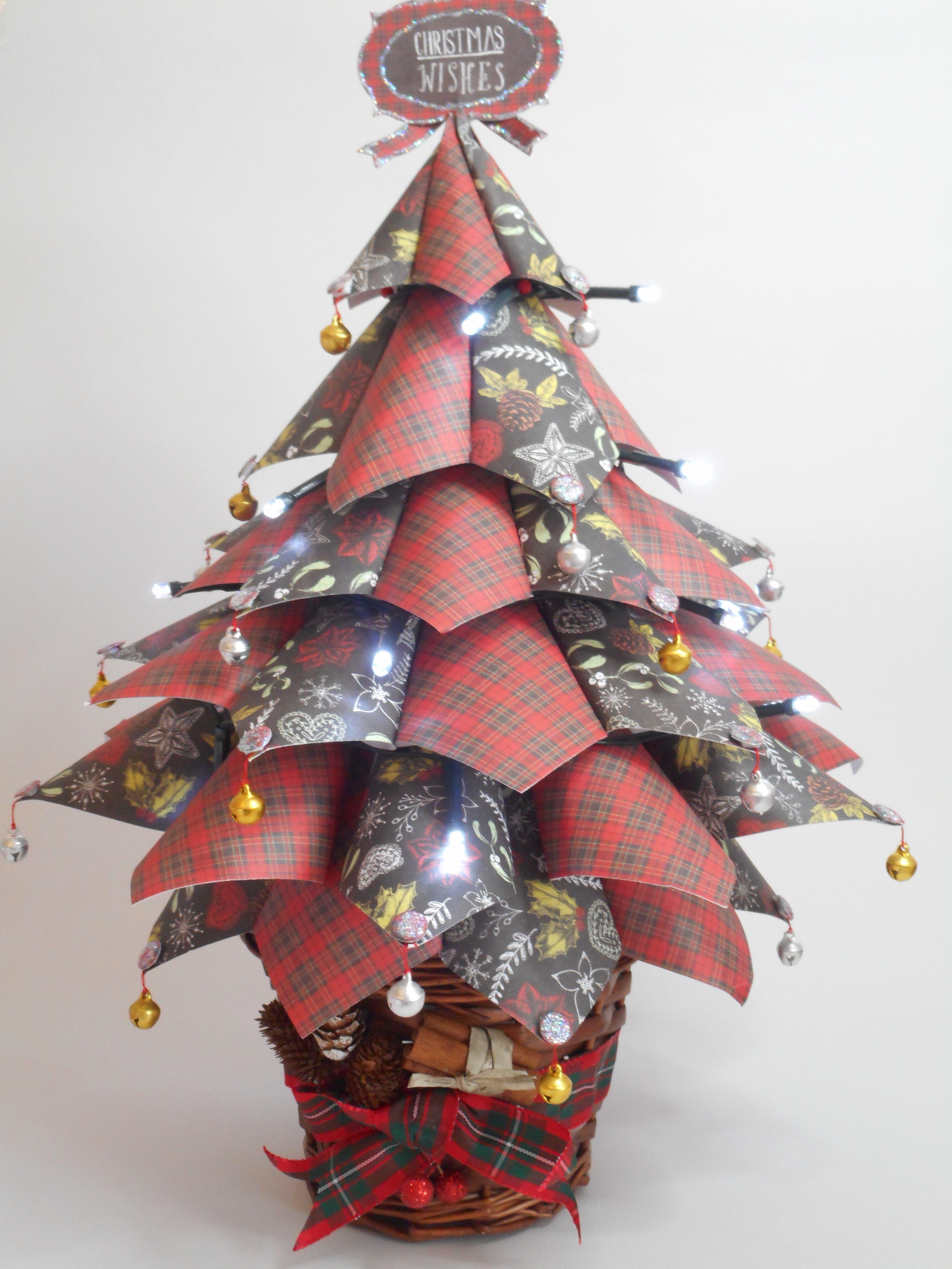 Paper cone christmas tree by phillipa lewis cartes de noël