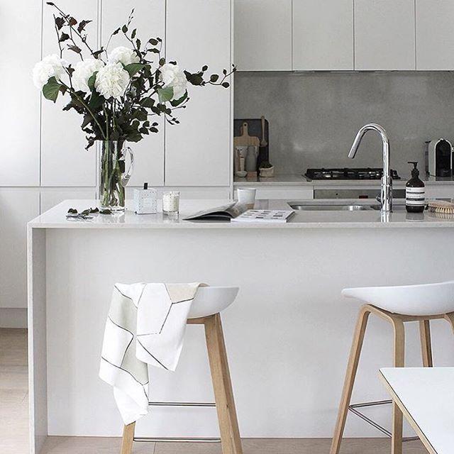 Geo Print Dish Towel White Modern Kitchen Home Decor Kitchen