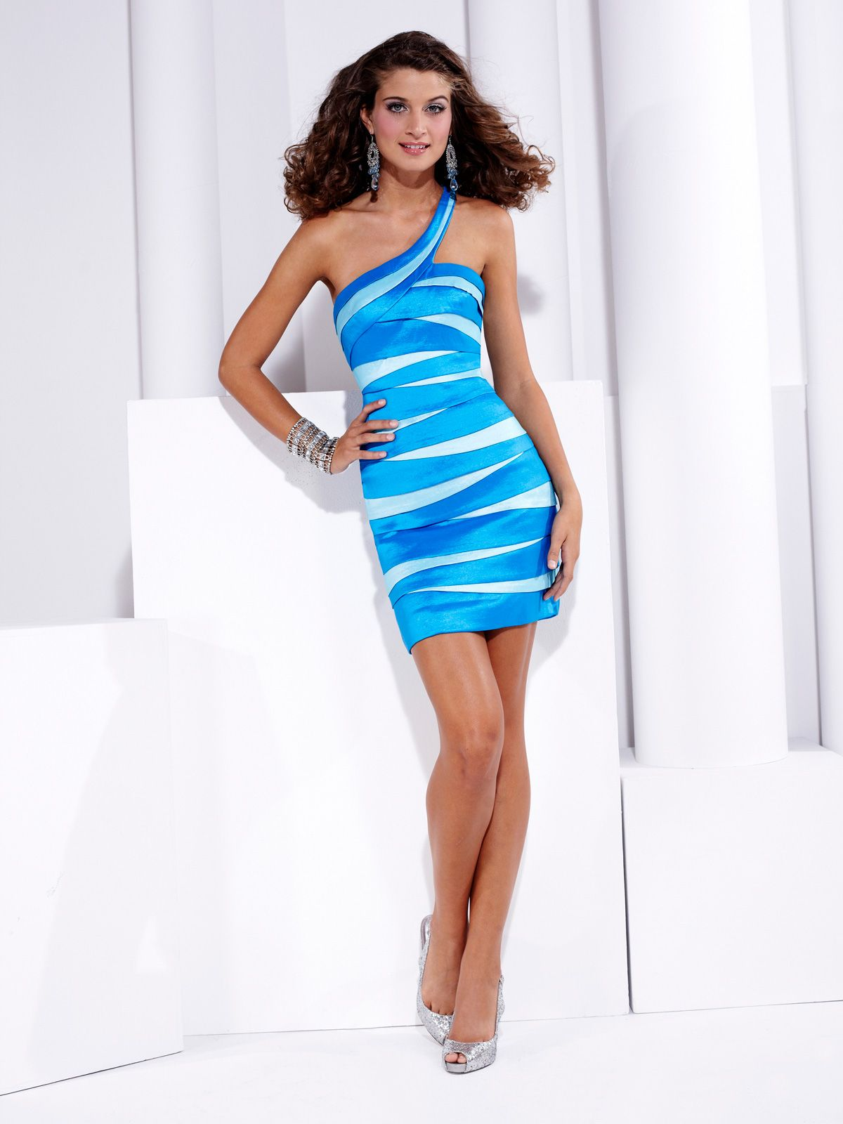 Stylish hannah s prom dress this stretch taffeta prom dress