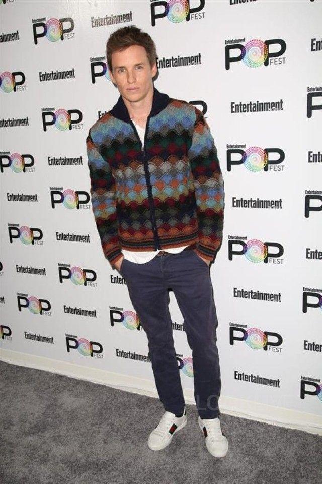 Eddie Redmayne - Attends Entertainment Weekly Popfest on Looklive