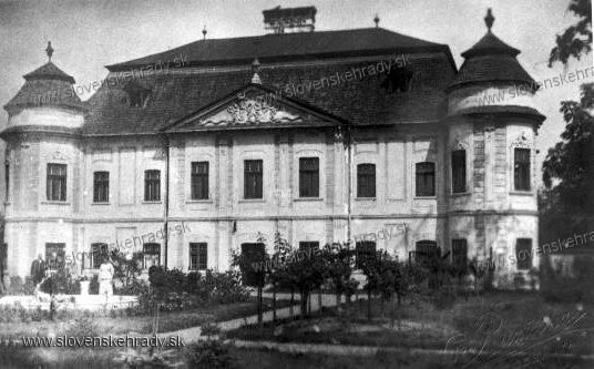 Hronsek - barokový kaštieľ, Slovensko (Hronsek - baroque manor-house, Slovakia)