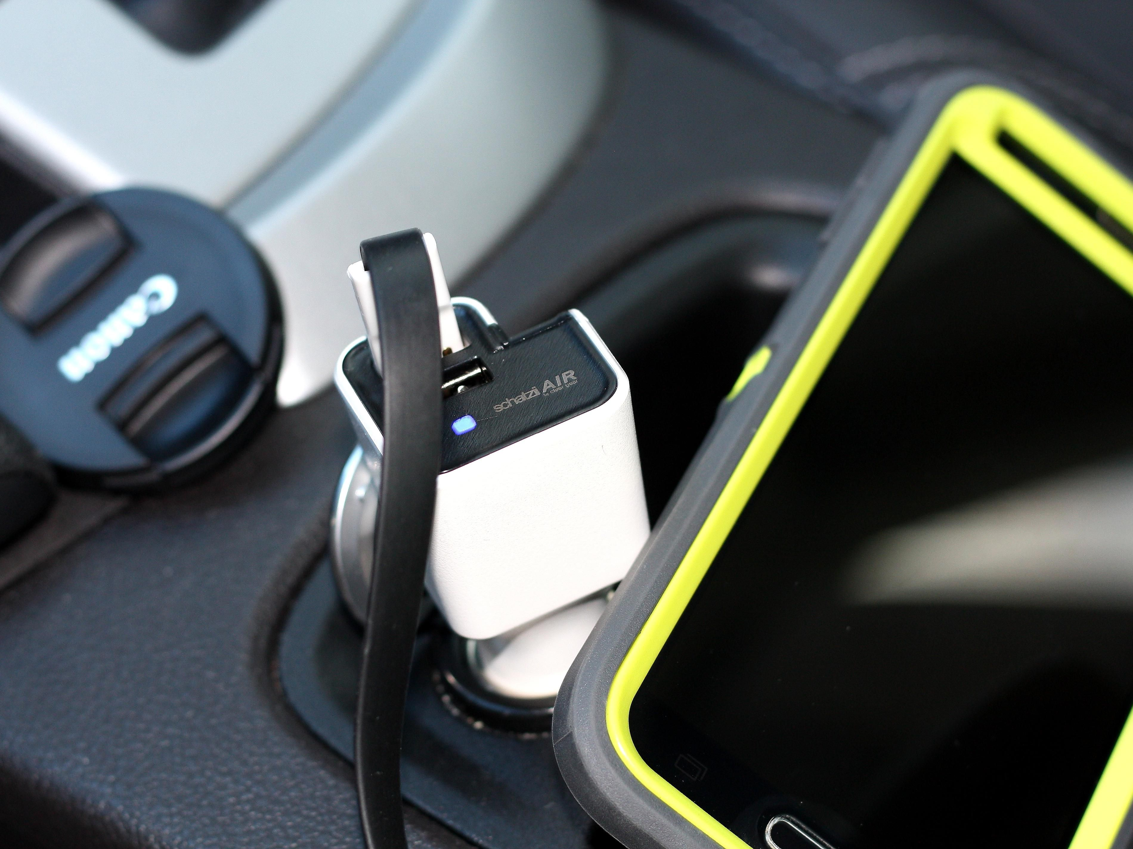 Air Ionic Car Air Purifier & Dual USB Car Charger Car
