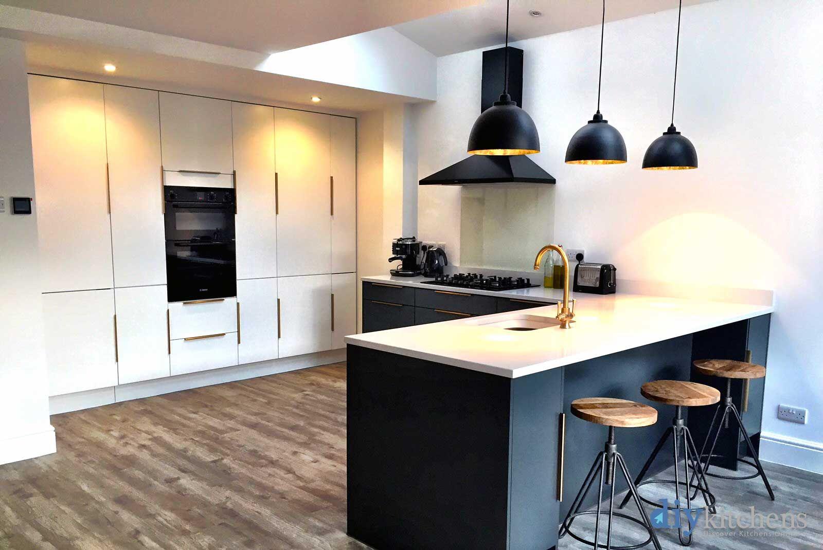 An Innova Carrera Modern Kitchen Diy Kitchen Kitchen Renovation