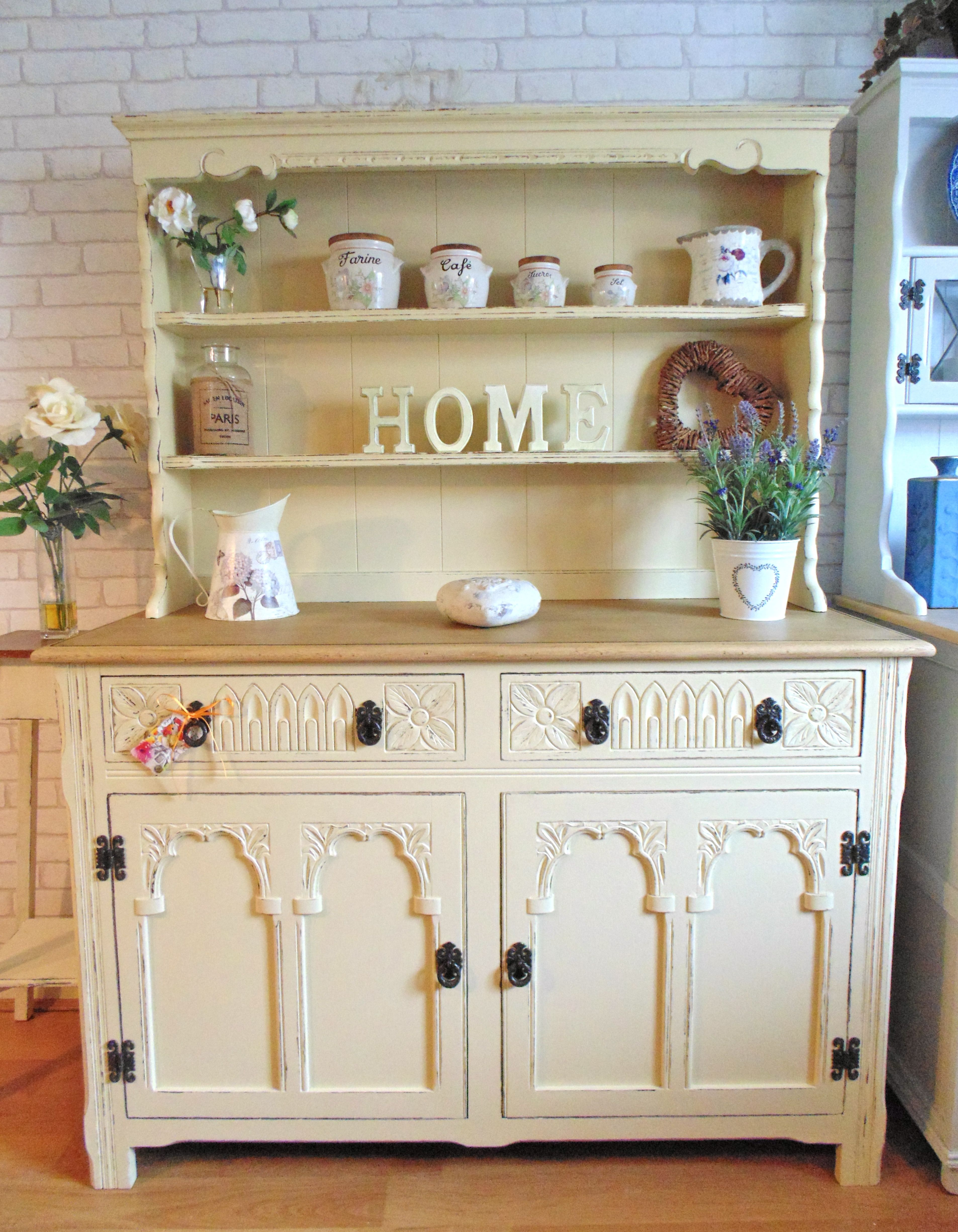 Stunning country kitchen welsh dresser painted in farrow u ball