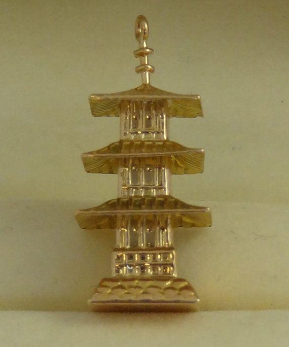 Vintage 14k Yellow Gold Pagoda Charm or Pendant..
