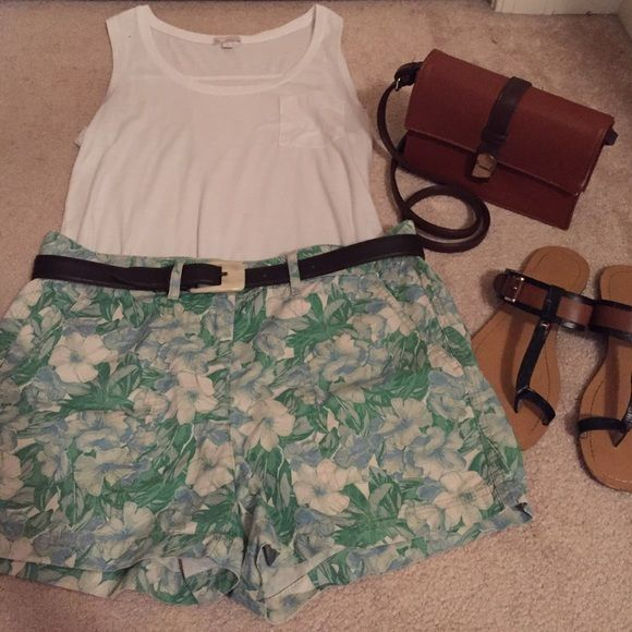 Gap Floral shorts Adorable for the summer! Willing to bargain. Note: only includes shorts. GAP Shorts