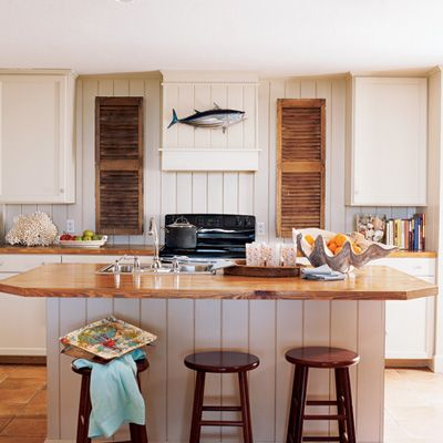 Natural Coastal Accents Keep This Neutral Kitchen In Touch With The Rest Of Rustic House